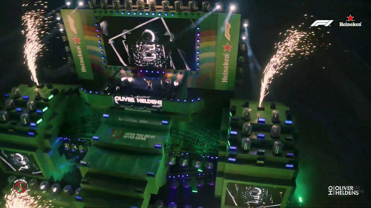 @OliverHeldens never disappoints 😉👌👏👏👏  awesome gig&stage visuals 😍  @OliverHeldens thanks! @Heineken @F1 #SocialiseResponsibly https://t.co/XURi2pGd7c