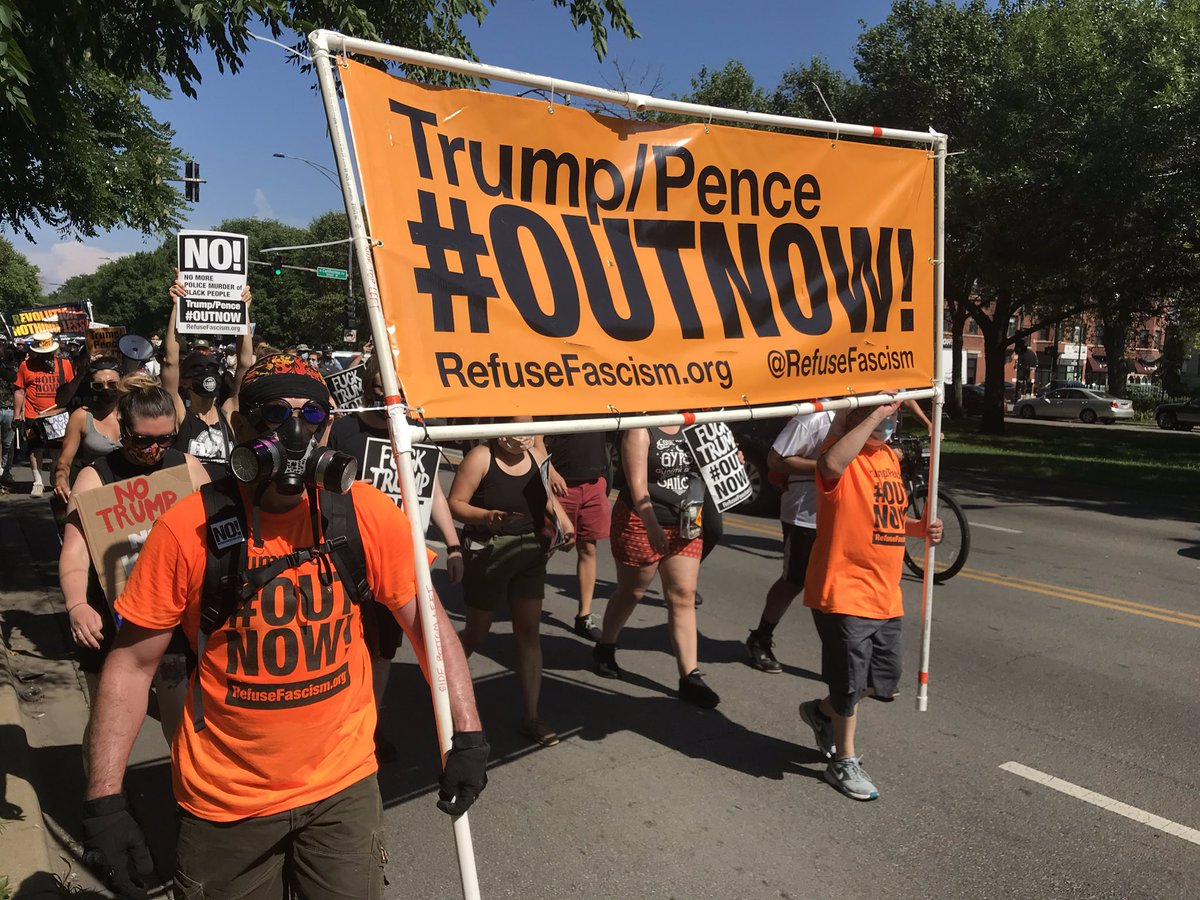 Refuse Fascism Chicago marches to the end on #4thofJuly2020 in #LoganSquareChicago to demand #OutNow for the Trump/Pence regime! #WeRefuseToLiveInAFascistAmerica #FuckTrump #ChicagoProtests pic.twitter.com/kvH5DARwUJ