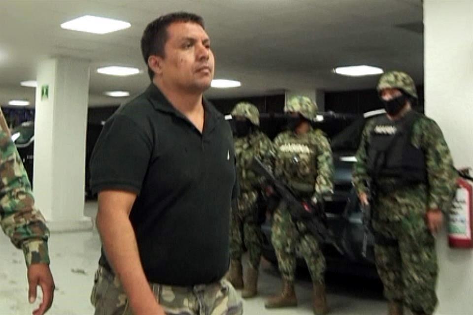 Miguel Ángel Treviño Morales El Z-40 uno de los Narcos más despiadados dice que sufre tortura, tratos crueles y que le quieren hacer una ejecución extrajudicial, el mismo que ordenó cientos de ejecuciones de inocentes ahora se queja... https://t.co/7xjh8bsgY4 https://t.co/NQkm6QMMTi