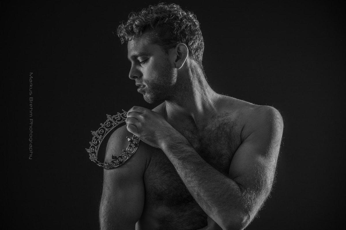 #KingsDay  Model Phil Bruce @PhilBruceWork   #portrait #portraitphotography #portraitphotographer #headshots #portraitmood #malemodel #photooftheday #modeloftheday #blondhunk #hunk #hairyscruffhomo #hairyhunk #malephotography #mensphysique #mensphotography #mensphotoshootpic.twitter.com/9mRBg0tMwU