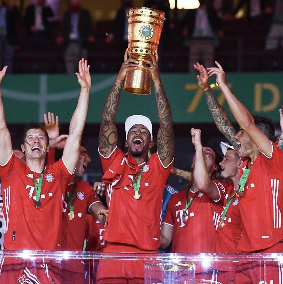 Good night, FC Bayern, double winners & eine extra gute Nacht an meine Lieblingsspieler. pic.twitter.com/KmyLf6DQQZ  by Katrin Figge