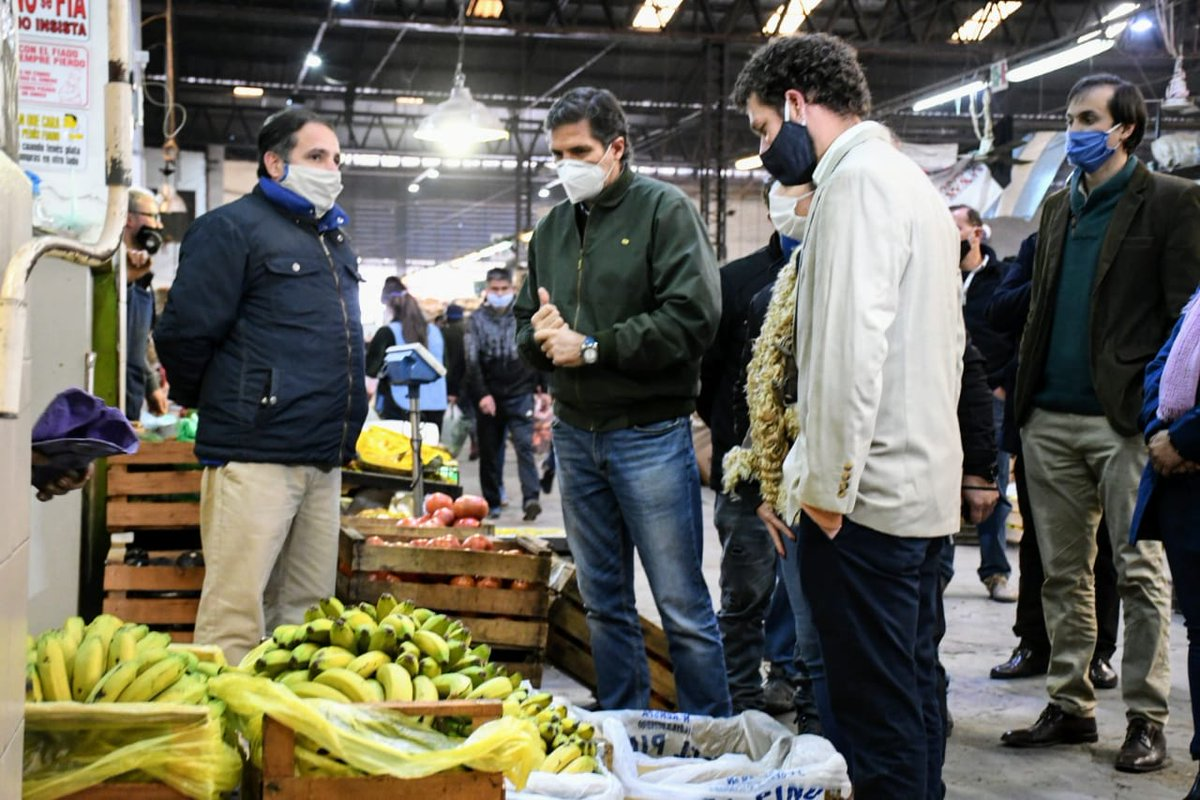 👉 Día Internacional del Cooperativismo 👈  Junto al Secretario de Industria, Comercio y Empleo de @GobiernoSalta @nickiavellaneda, y su equipo, visitamos al Mercado CoFrutHoS, un ejemplo de trabajo, perseverancia y solidaridad a lo largo de los años. @INAESarg  #ArgentinaUnida https://t.co/sb4C31qF44
