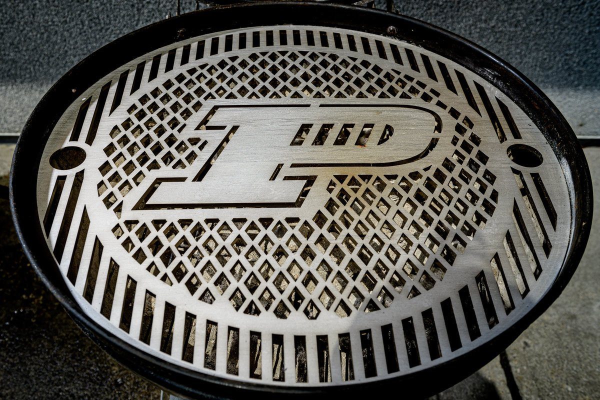 #BoilerUP your grill! Summer grilling now serves two purposes — creating the perfect meal while showing off your Purdue spirit, thanks to Gridiron Metalworks. https://t.co/6vIyON992K https://t.co/MfOToTbcl0
