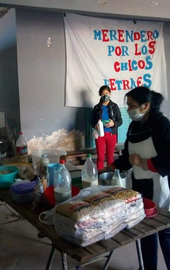 """#HOY  👉🏾Jornada Nacional de Ollas Populares #MicaelaGarcia, junto a @FetraesA  ✔️ Merendero """"Todo por los chicos"""" ✔ Barrio El Gaucho, 9 de abril ✔ Pcia de Buenos Aires, Esteban Echeverría   #ArgentinaUnida 🇦🇷 #NadieSeSalvaSolx https://t.co/WDPlfvf22t"""