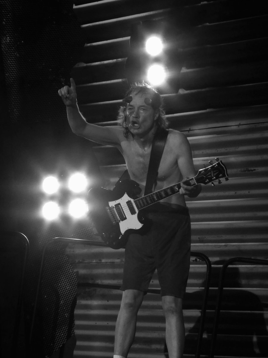 5 years ago this weekend, an epic @acdc show at @wembleystadium :D  : #ACDC at #WembleyStadium, 4th July 2015 - http://www.flickr.com/byway  #AngusYoung #BrianJohnson #LiveMusic #Gig #Concert #Rock #Music #RockOrBustWorldTour #GigPhotography #ConcertPhotography #AmateurPhotographypic.twitter.com/0cI5pd0Pzt