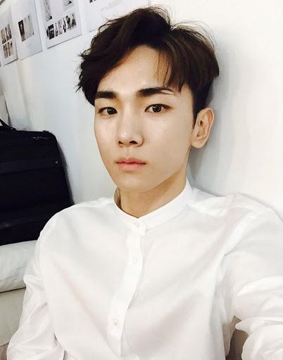 shawols reply with kim kibum if you love kim kibum's eyebrow scar https://t.co/6vCQ10Mk6e