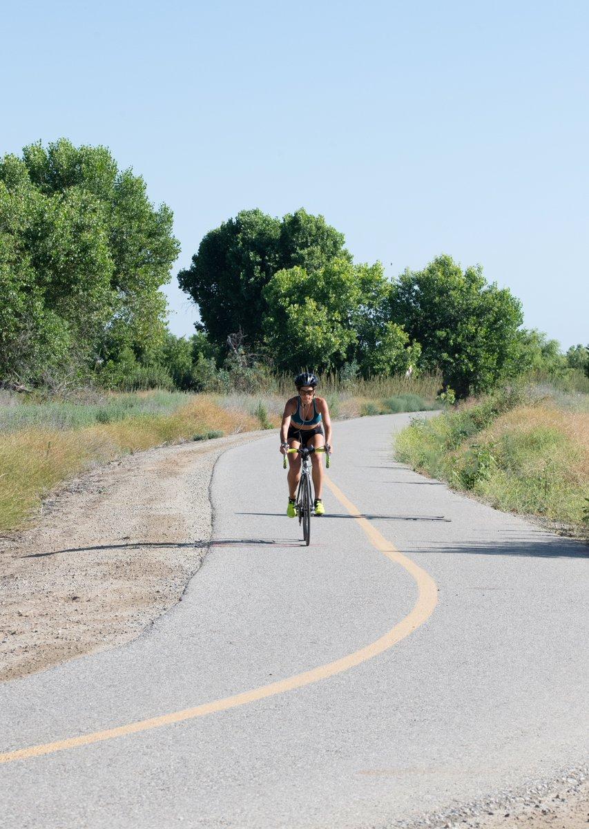 #actionphotography #bikephotography with my #kernbikepath buddy Jolie. #gobybike #shotbyjason #bookwormwithacamera - https://jasonfrostphotography.pixieset.com/ #hertiresarewings #seeyououtthere pic.twitter.com/swWVXLyB7t