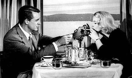 """""""Ohhhh, to be in her shoes!""""  The Directors' Chair's Theresa @CineMava  shares her thoughts North by Northwest... :) #Hitchcock #EvaMarieSaint #CaryGrant   http://www.classicmoviehub.com/blog/the-directors-chair-north-by-northwest/… pic.twitter.com/2HyWayvVJF"""