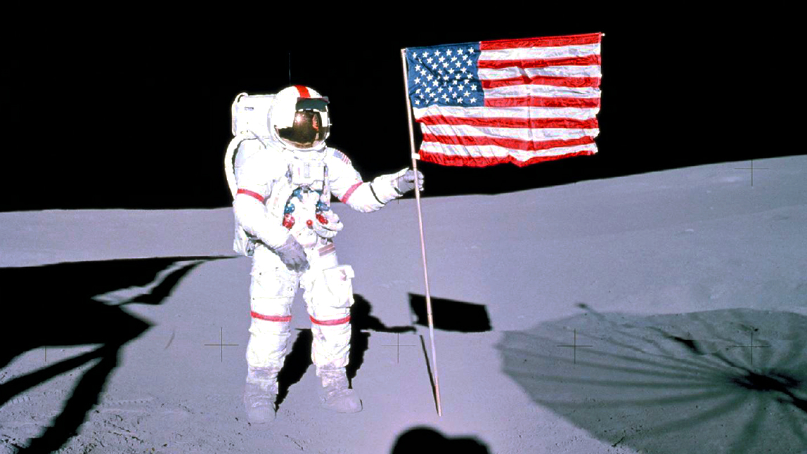 Happy #FourthOfJuly! Apollo 14 astronaut & the first American to travel to space, Alan Shepard, stands with the U.S. flag on the Moon. By 2024 well return astronauts to the lunar surface. Learn about #Artemis, Americas next chapter in space exploration: go.nasa.gov/2Rxuco9