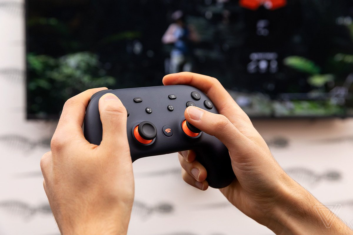 Google's Stadia controller finally works wirelessly with Android devices