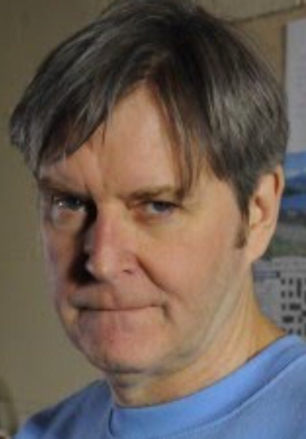 He looks like James Fleet who played Hugo Horton in The Vicar of Dibley. https://t.co/reDfMuydzh