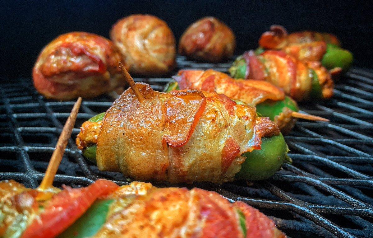 #nowthatsafire #grillin #ribeyes #armadilloeggs #chorizopoppers #foodporn #foodiepics #goodeats #heavenonapaperplate #photoglife🎥 #cameralero #paladin🏴☠️ #whatsnext🏴 #nostickmics #nomicflags