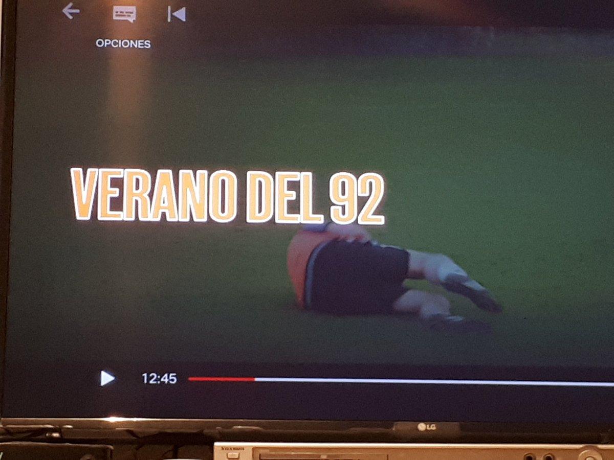 Enorme película-documental del equipo de #Dinamarca  de la #Euro92. La pelea contra los hermanos Laudrup y lo azaroso del destino.pic.twitter.com/I0OmdIeQj2