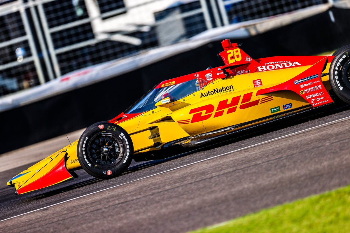 Well that didn't go as planned.... again. This time issues on pit lane (pit equipment) dropped us from P9 to P22. Kept after it and worked our way back up to P13. Road America can't come soon enough. @DHLUS @AutoNation