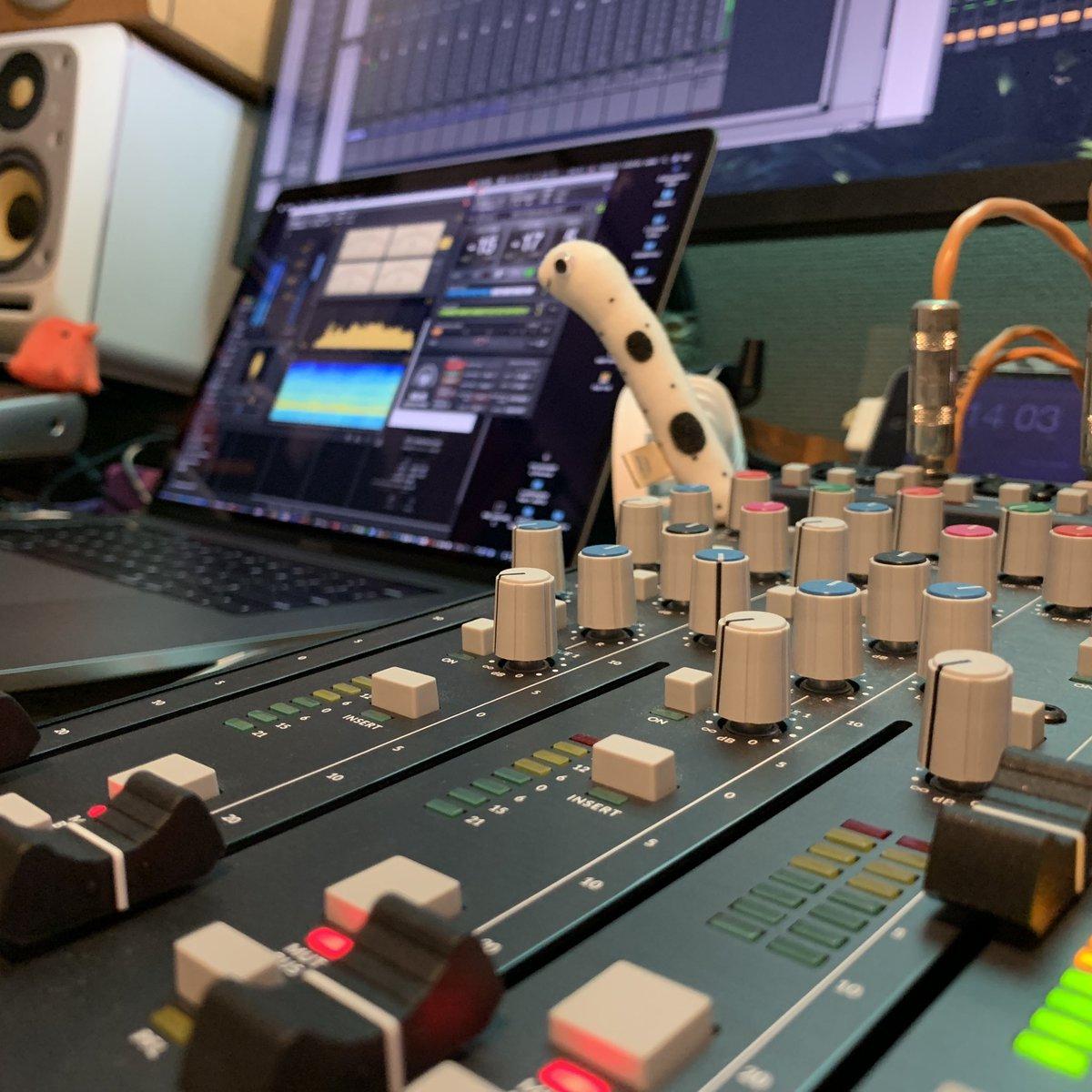 コンピレーションALのマスタリング 本日も篭ってます♫  https://www.instagram.com/naoki_onwave/  #RecordingEngineer #MixingEngineer #SoundProducer #NaokiJYomogida #蓬田尚紀 #OnWaveMusic #GainGroundStudio #Mastering #GoodSoundGoodMusic #ProTools #AntelopeAudio #SSLSIX #DA3000 #TASCAM #DSDMasterpic.twitter.com/728VNWRywU