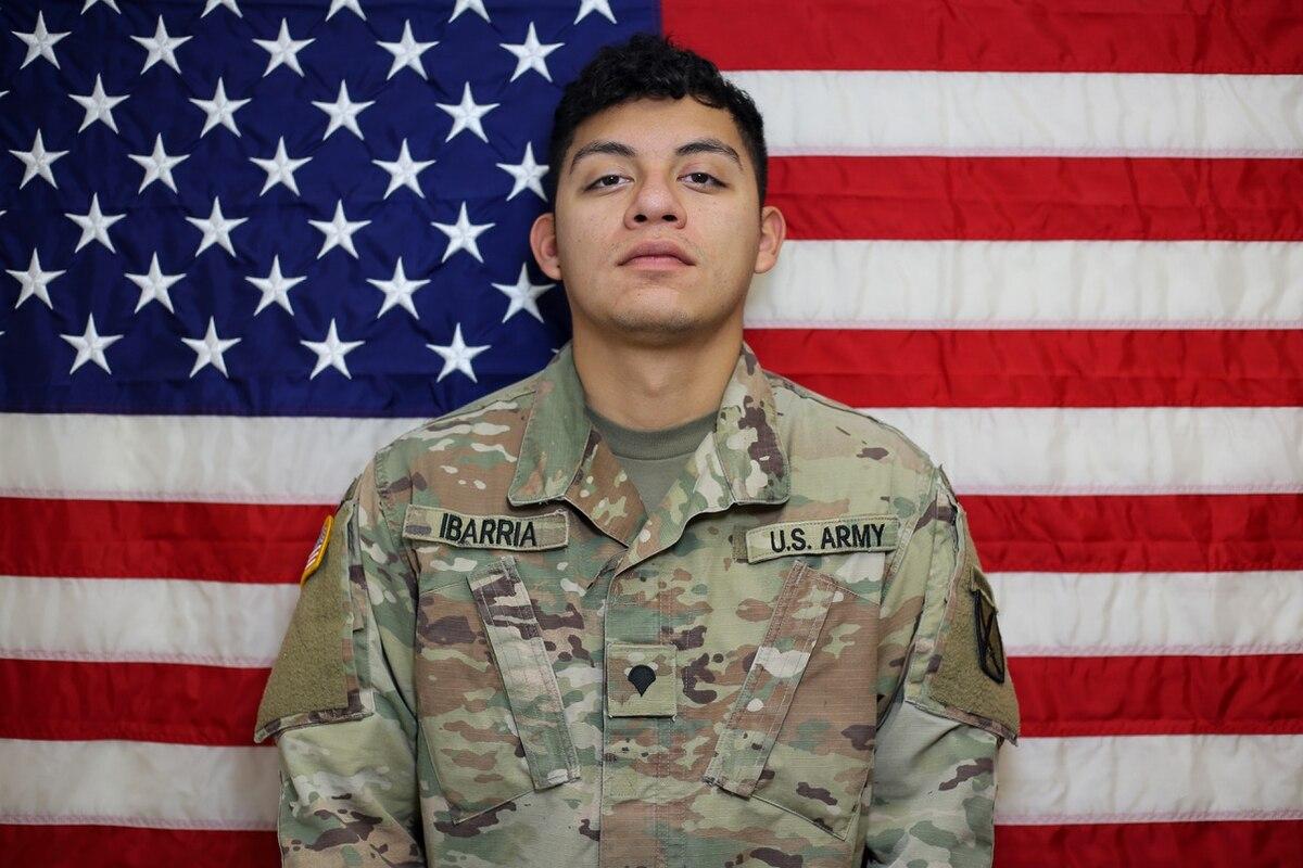یک سرباز امریکایی در افغانستان کشته شد  https://t.co/cRnULjKcI2 https://t.co/7yYNzfuYWk