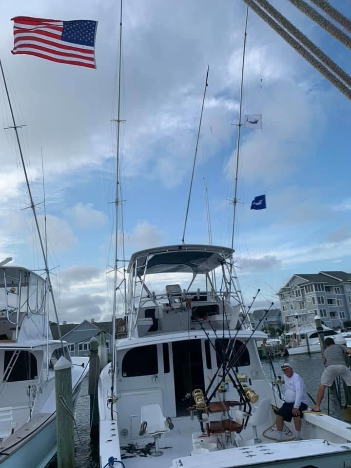 Manteo, NC - Marlin Gull released a Blue Marlin and a White Marlin.