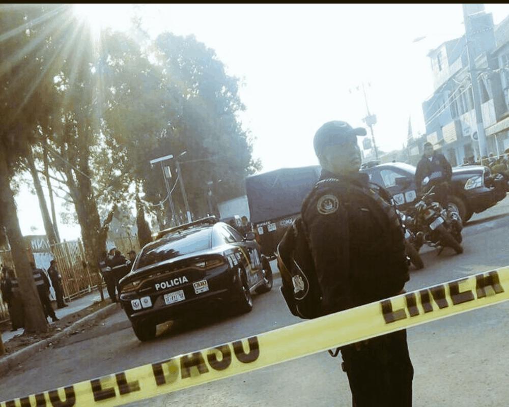 Un Joven viajó a CDMX para comprar un auto y lo mataron frente a su papá en Tláhuac para despojarlo del dinero https://t.co/pg4NU47i5m https://t.co/XFvK1ctqu9