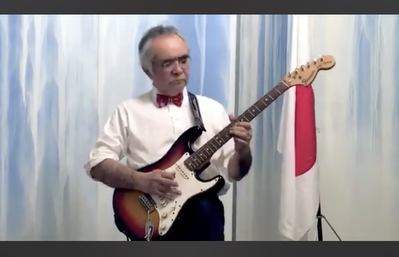 Could Fender please send him a real Stratocaster, or is he happy to stick to Japanese copy pic.twitter.com/QcwsP1Wmew