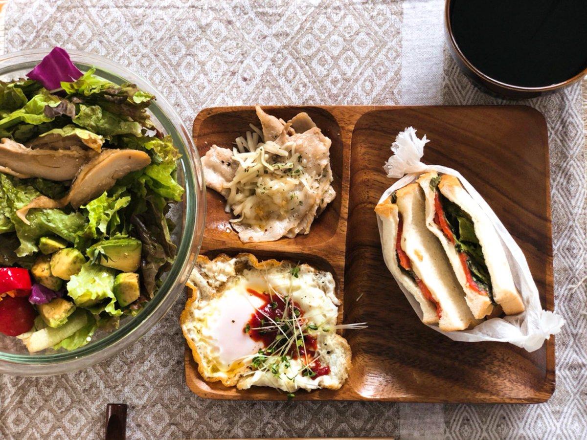 #おうちごはん #自炊 #朝ごはん #salad #sandwich  雑っ! https://t.co/kBAvn3OaQW