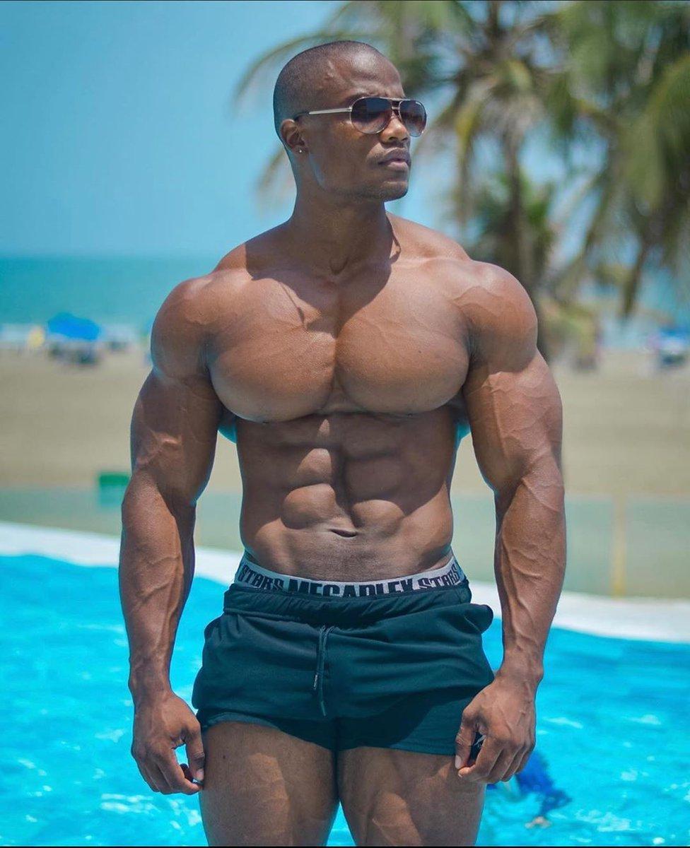 Ripped physique @walasupplement . . . . . . . . #Bodybuilding #bodybuildingmotivation #bodybuildinglifestyle #bodybuildingcom #bodybuildinglife #bodybuildingnationpic.twitter.com/dLsIOr4CVJ