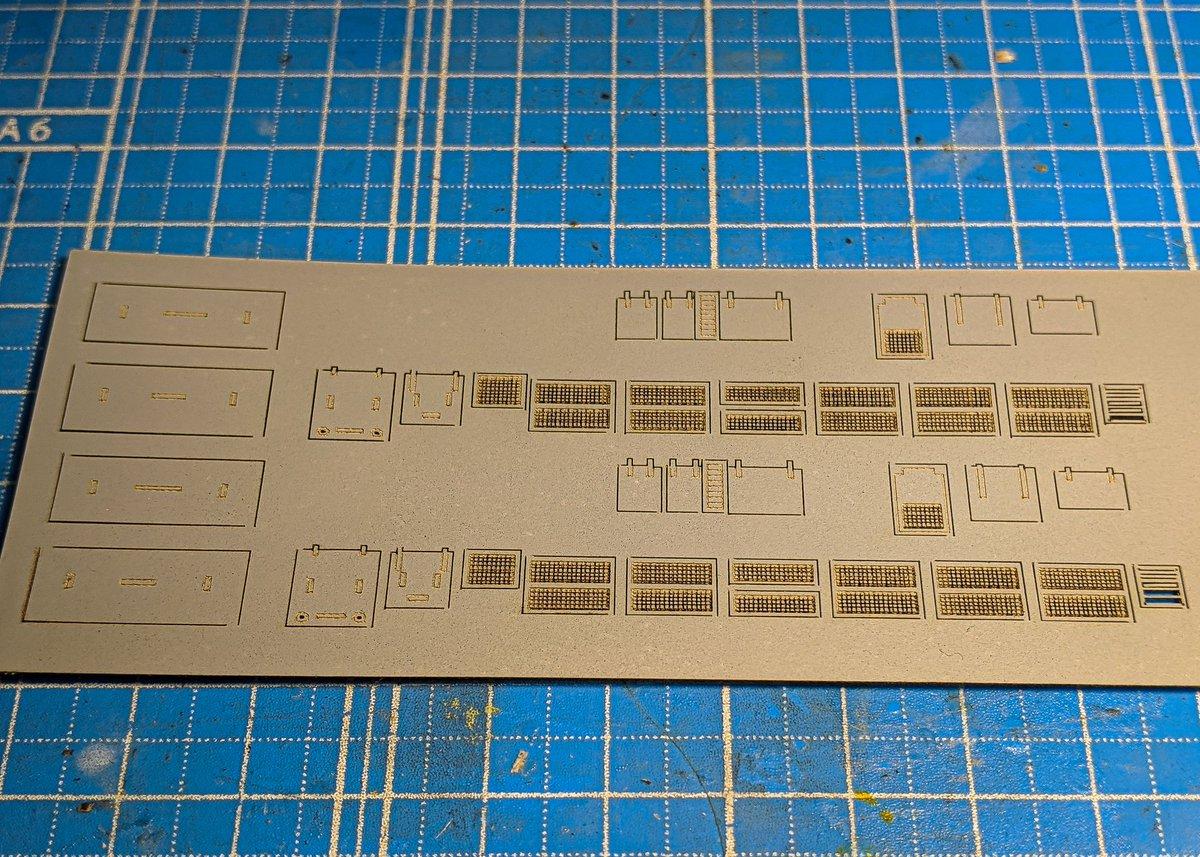FABOOL Laser Miniは白紙への筋彫りが苦手なようです。ということで紙にサフェーサーを塗ってから筋彫りしてみました。 中々いい感じに仕上がりました。  #FABOOL #レーザーカッター #レーザーカット #鉄道模型 https://t.co/fPSNiRlCdv