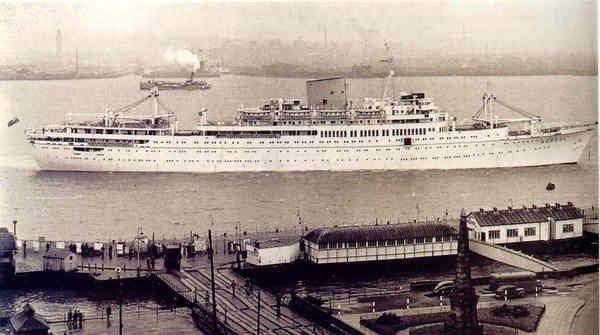 Apapa Port in 1950 https://t.co/mdRkhrQocb