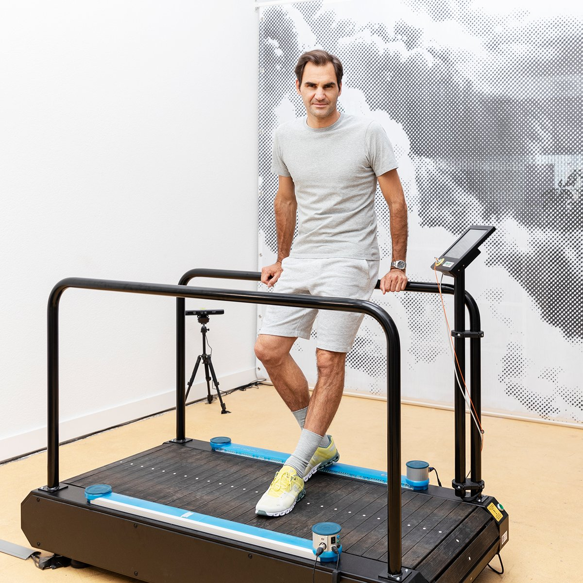 Tomorrow, July 6, @rogerfederer goes live like never before. Expect an epic interactive experience, surprises and special guests. Plus, find out what Roger's been working on in the On Lab. Don't miss it https://t.co/NN0AIms81v https://t.co/hEtgXCxenj