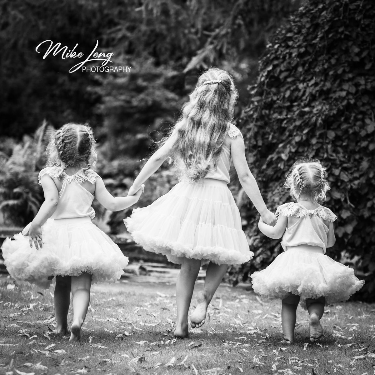 THE QUALITY OF INNOCENCE A Children's Portrait Session plus a Framed Photograph for just £55 Message us to book your Children's Portrait . https://soo.nr/r3kc  #mikelengphotography #emmahull80 #wentworthgardencentre #childhoodunplugged   #magicofchildhood pic.twitter.com/KgrN2tAw0v