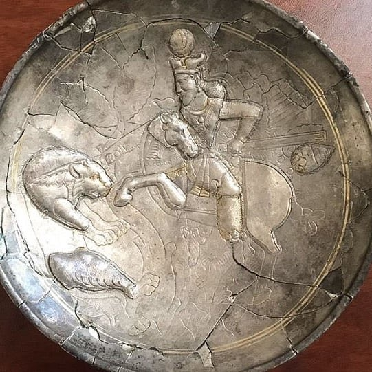 New #Sasanian silver dish discovered in Georgia patreon.com/eranudturan