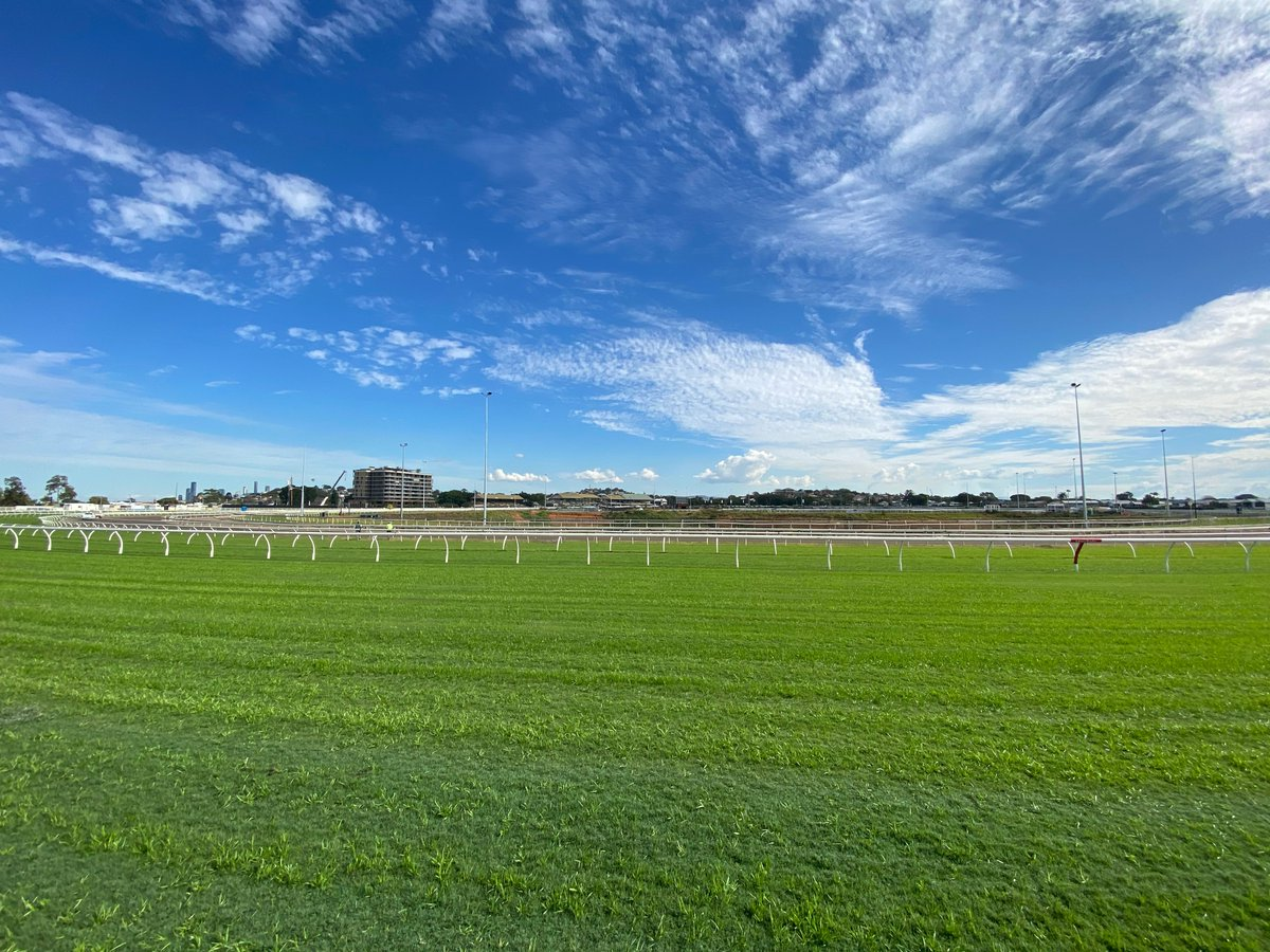 An Eagle Farm view that most don't see from around the 800m mark! #bneraces https://t.co/VorN5HqYwd
