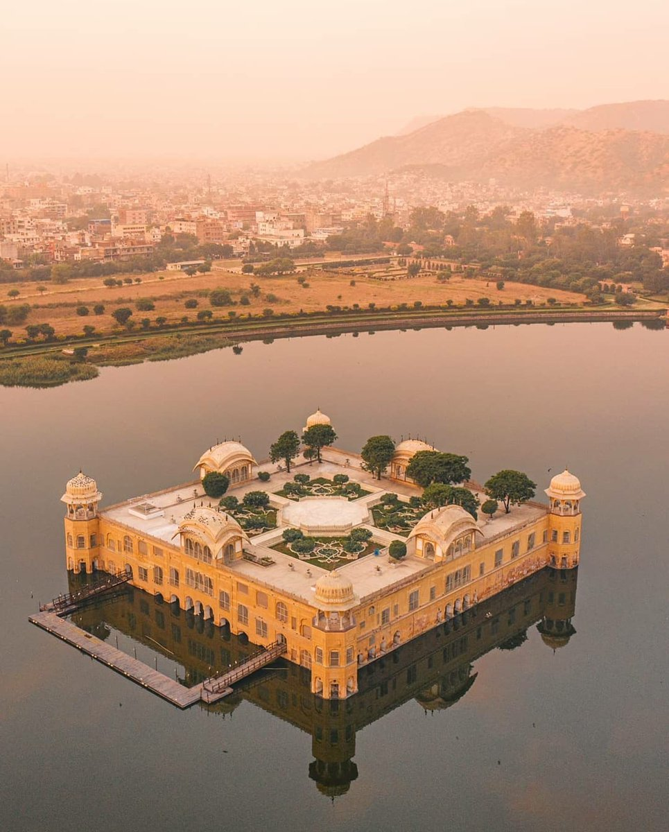 India, Jaipur, Jal Mahal  By @meinbhiphotographer #wow #travel #india #jaipur #jalmahal #heritage #lake #water #stunning #architecture #royal #palace #travelaroundtheworld #destination #beautifuldestination #traveldiaries #travelworld #instatravel #travellieasure #tourismpic.twitter.com/LuTTqA8DVS
