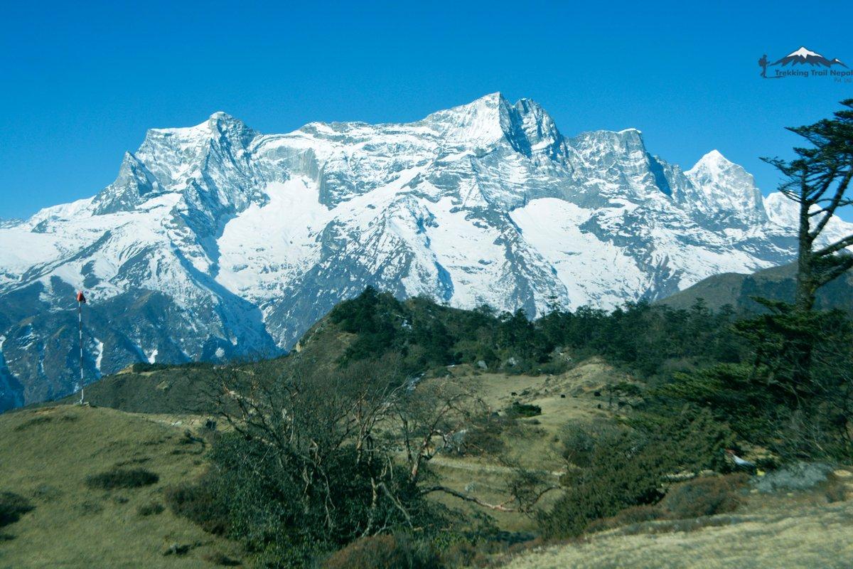 https://t.co/3NSWUE3rEI 😀😀  #kongde #mountain Range of #Everest from world higheest altitude hotel #hoteleverestview  #everestviewtrek #tretrekkingtrailnepal https://t.co/fha8gvxGJR