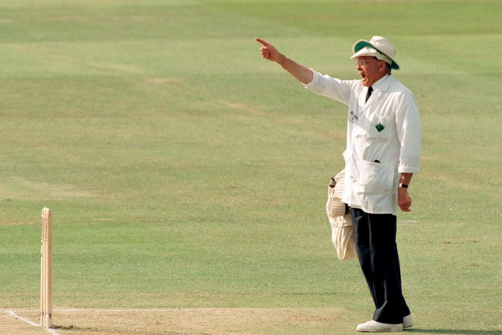 #OnThisDay in 1973, Dickie Bird made his international debut as an umpire in the Headingley Test between England and New Zealand. In his 23-year-long career, he stood in 66 Tests and 69 ODIs 🙌