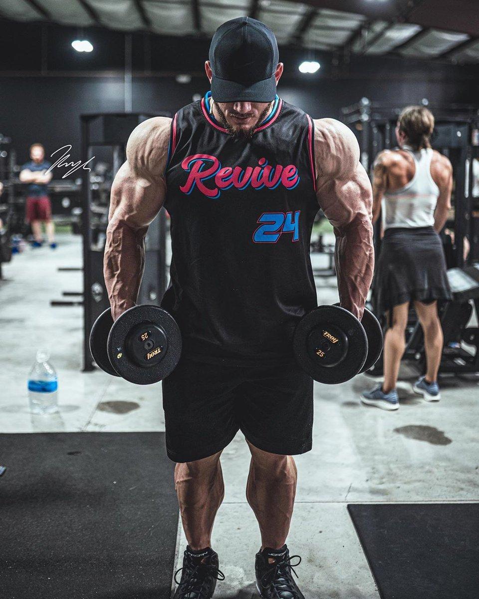 Shredded physique @walasupplement  . . . . . . . . #Bodybuilding #bodybuildingmotivation #bodybuildinglifestyle #bodybuildingcom #bodybuildinglife #bodybuildingnationpic.twitter.com/bqPaYsK58E