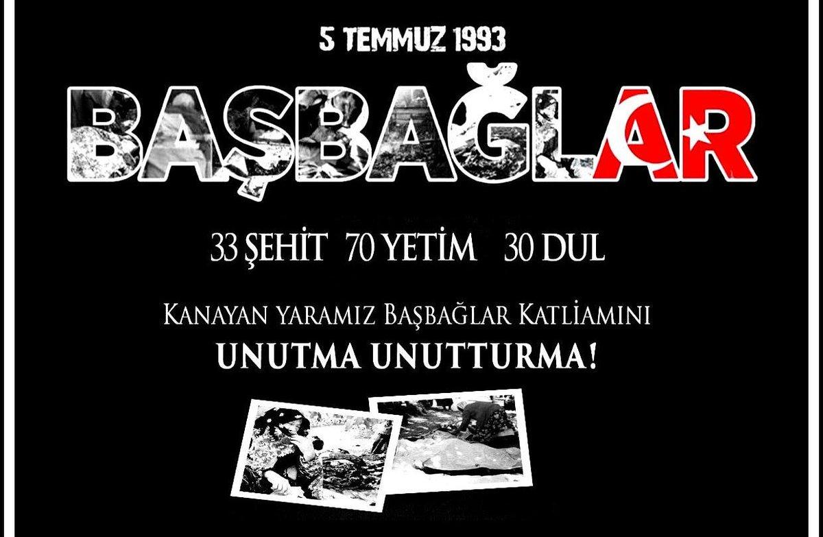 5 Temmuz 1993'te, Erzincan ilinin Kemaliye ilçesine bağlı Başbağlar köyü Eli Kanlı Kiralik Katil PKK terör örgütü tarafından basıldı. 33 sivil vatandaşımız şehit oldu. 214 ev yakıldı. Katledilen Canlarımızı Saygı Rahmetle Anıyoruz. #BasbağlarKatliamı https://t.co/Uj3S6IlJQi