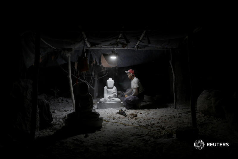 For generations, artisans in Sagyin village in Buddhist-majority northern Myanmar have carved out a living from white marble, fashioning Buddha statues to be sold in the nearby city of Mandalay or exported to neighboring China and Thailand: https://t.co/6NILGGaibW 📷 Ann Wang https://t.co/OutJHcp7Re