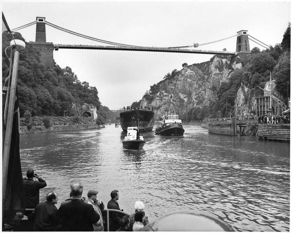 #OnThisDay in 1970, the SS Great Britain set off up the Avon to the floating harbour on her return to Bristol.  Thousands of people came out to witness the journey, it was the first & only time Brunel's ship would pass under Brunel's Clifton Suspension Bridge. #SSGB50 https://t.co/7RF4lMJWzF