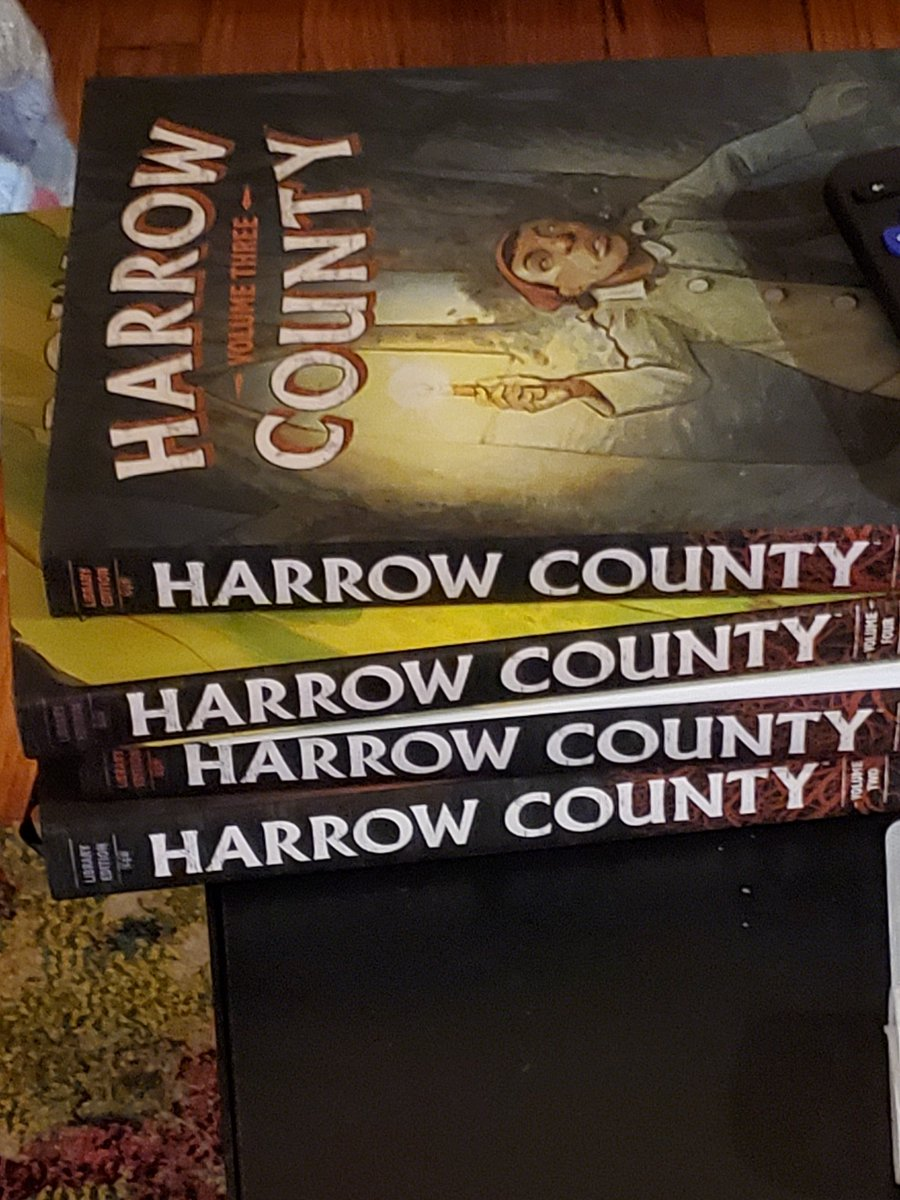 Been reading @cullenbunn Harrow County. It's a solid book. Maybe too much fantasy in my horror comic, but it's  southern Gothic and that's an under utilized concept. #horror #comics https://t.co/JCf0SXjVdD