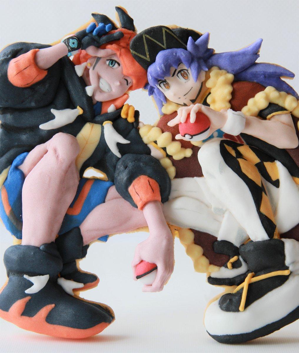 皆様…本日アニポケにダンデさん&キバナさん登場のため、妻がアイシングクッキーでフィギュアみたいな二人を作りました。クリックして見てください…キバナさんのすね、指先、骨や筋肉まで感じるクッキー。こんな立体的な二人を拝めるなんて…(´;ω;`)#アニポケ #anipoke #キバナ #ダンデ