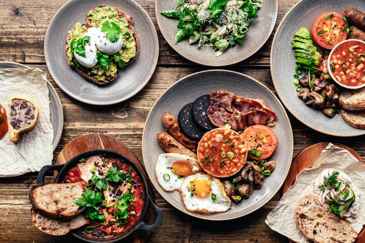 Delicious breakfast by @chefradeken from 10am this morning !! #breakfast #brunch #vegan #fullenglish #smashavo #gypsyeggs #eggs #vegetarian #brixton #chipshopbxtnpic.twitter.com/dgddhzNcDz