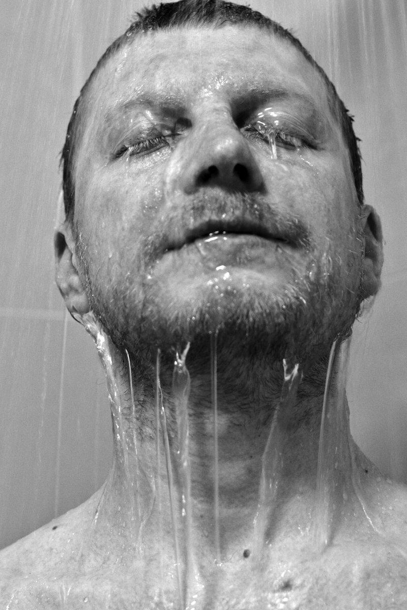 Waterdancing - Wasser in Bewegung (27/20). #JedeWocheEinFoto (cc @kopfleuchten für die Inspiration zum Motiv) pic.twitter.com/w4m99c2haV  by sushey