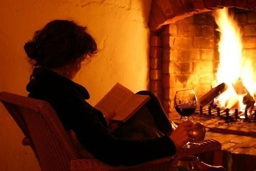 """""""She read books as one would breathe air, to fill up and live.""""  ― Annie Dillard #reading #writing pic.twitter.com/NUTGhWsPFs"""