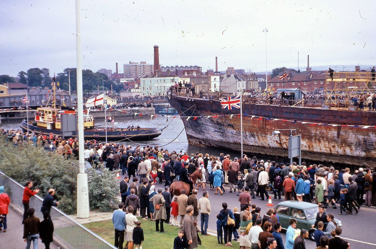Today marks the 50th anniversary of Brunel's @SSGreatBritain  returning to Bristol Docks, over a century after she was first launched. She's seen here surrounded by crowds at the Cumberland Basin. on her way to a temporary mooring at Canons March. https://t.co/Key7WJNCR7 https://t.co/tB8ocOq6ZX