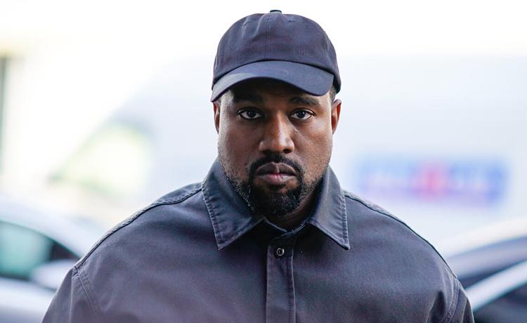 """Kanye West anuncia su candidatura a la presidencia de Estados Unidos. """"Ahora debemos cumplir la promesa de Estados Unidos al confiar en Dios, unificar nuestra visión y construir nuestro futuro"""" https://t.co/EHIP8wYqdJ https://t.co/lBsZClY7Fx"""