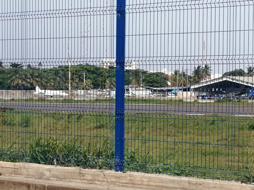 Lunes aeropuerto Rojas Pinilla. El fiscal y el contralor, sus familias y la única compañera de colegio con permiso volaron a San Andrés el sábado. A las 4.26 PM los dos aviones regresaron a Bogotá https://t.co/f4sqyOGD3X