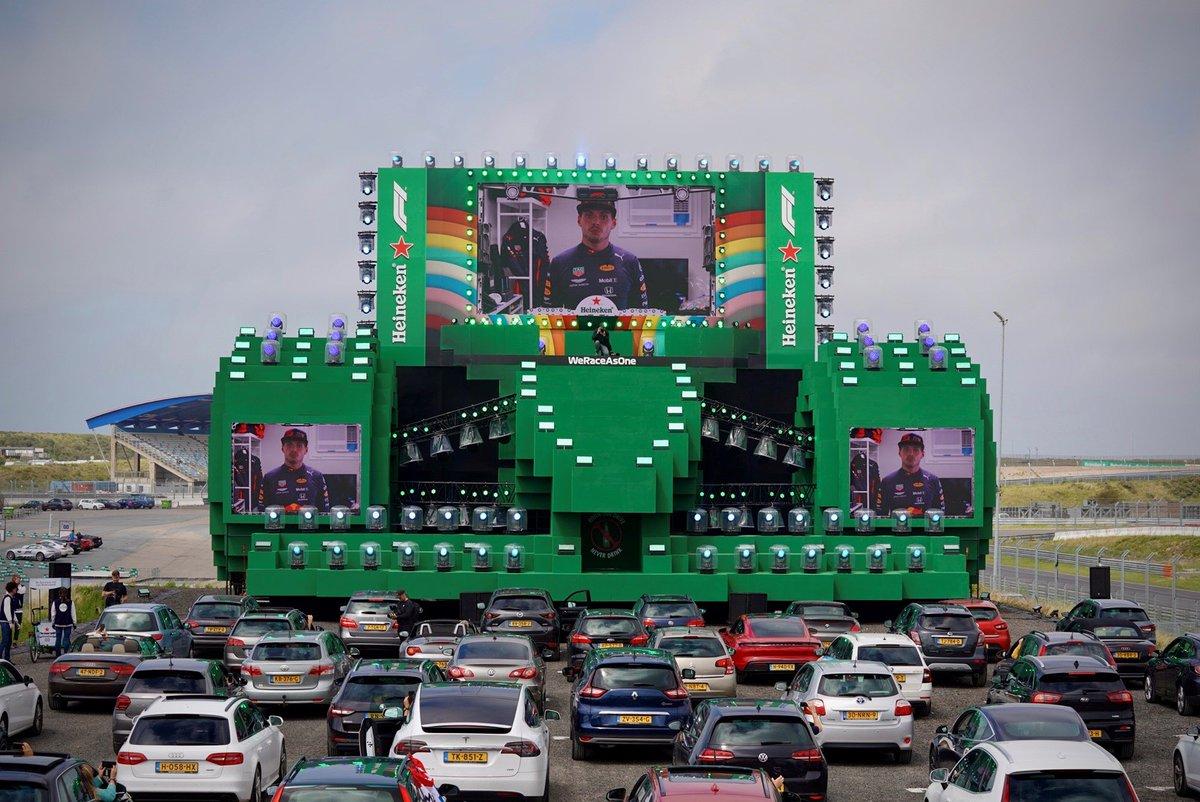 Om het seizoen in te luiden organiseert Heineken® de allereerst drive-in show voor zorgmedewerkers op Circuit Zandvoort om de race op groot scherm mee te beleven. #AustrianGP #formule1 #SocialiseResponsibly https://t.co/ighgWlPFhe