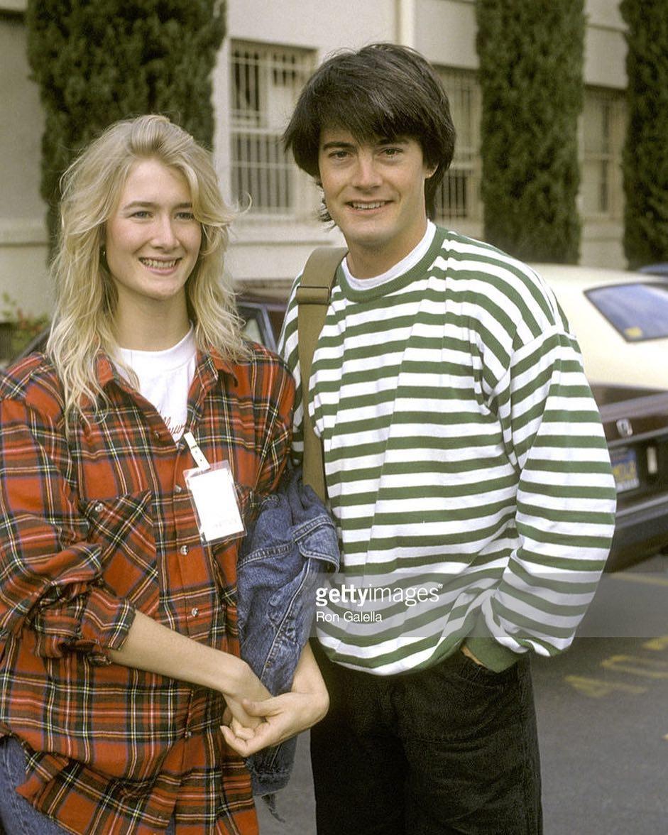 Kyle Maclachlan y Laura Dern en los 80 cuando eran pareja.  @Kyle_MacLachlan and @LauraDern in the 80s when they were a couple. . . . #davidlynch #twinpeaks #universolynch #agentcooper #dalecooper #kylemaclachlan #lauradern #diane #jovenes #youngers #love #pareja #couple