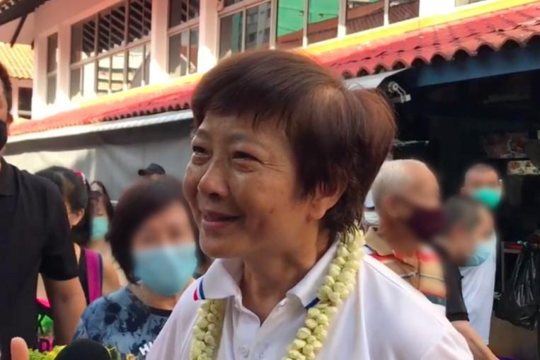 GE2020: Lee Bee Wah says too many opposing voices make it 'difficult to do things'; tears up after thanking supporters https://t.co/oSfvan9VKJ https://t.co/Ar6AibGE7B