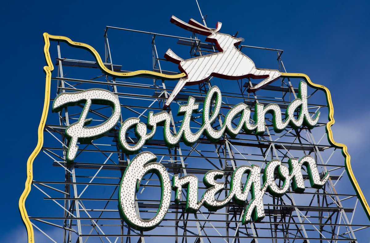 #Guadalajara, Mexico to Portland, Oregon for only $236 USD roundtrip with @AmericanAir #Travel (Aug-Mar dates)  https://t.co/RfBwnaFsFX https://t.co/AfLAf6I395